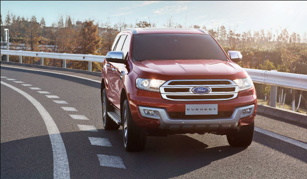 cho-thue-xe-7-ford-everest