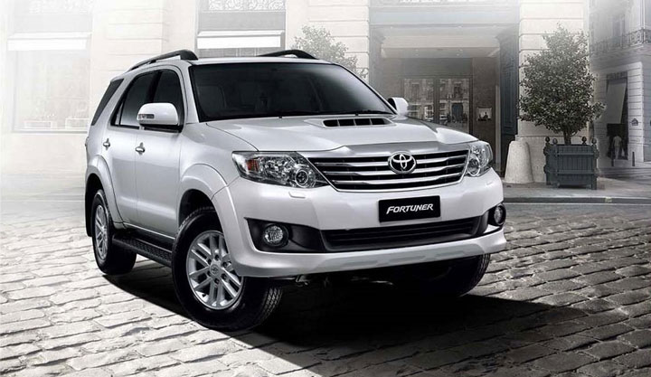 Toyota-Fortuner cho thue xe tai hn