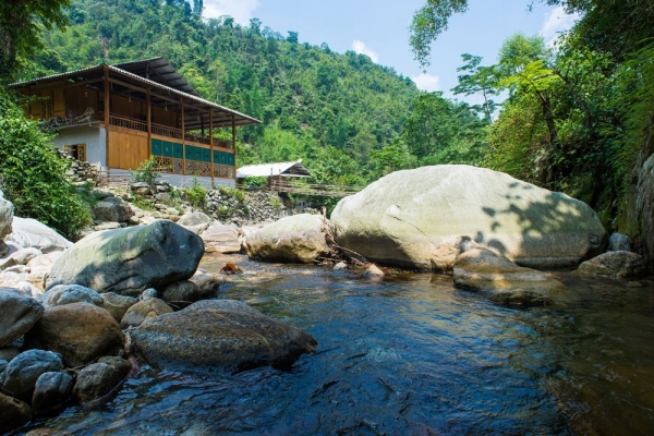homestay-o-sa-pa-nam-cang-riverside-lodge