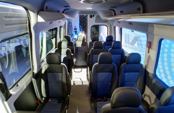 Ghế ngồi sắp xếp bên trong xe Hyundai Solati 2019