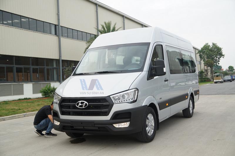 thuê xe 16 chỗ Hyundai Solati 2019