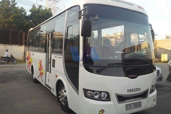Thuê xe du lịch 29 chỗ Thaco Town
