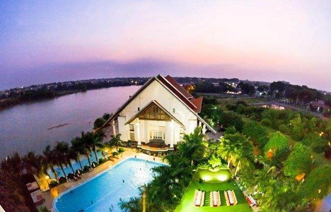 thue xe 29 cho di song hong resort 2