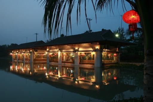 thue xe 29 cho di thao vien Resort 2
