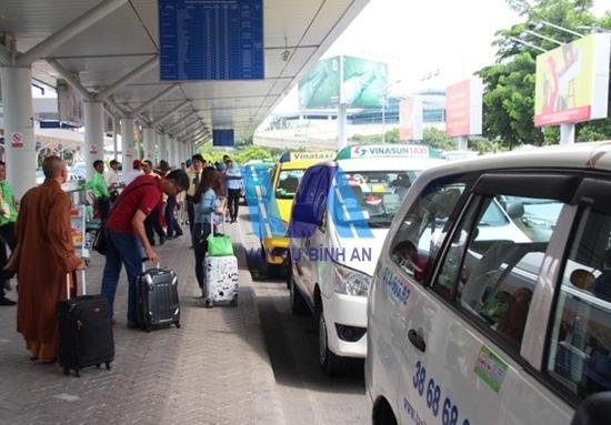thuê xe 29 chỗ đi sân bay nội bài